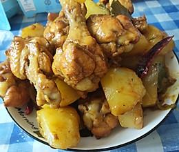 鸡翅根儿炖土豆,不过时的初级食肉者必备技能的做法