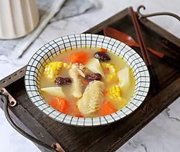胡萝卜玉米炖鸡汤的做法