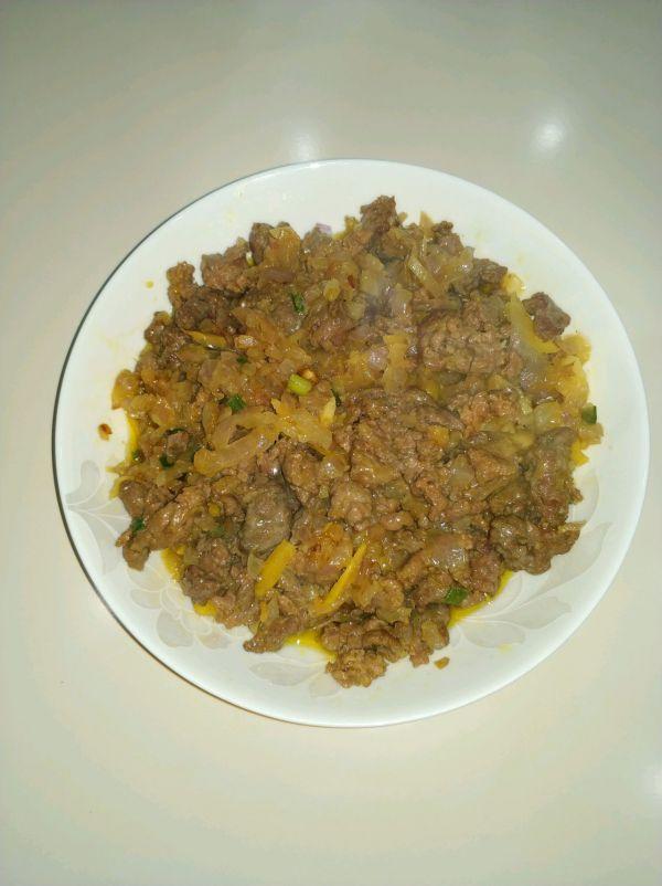 洋葱咖喱炒牛肉(牛肉嫩滑)的做法
