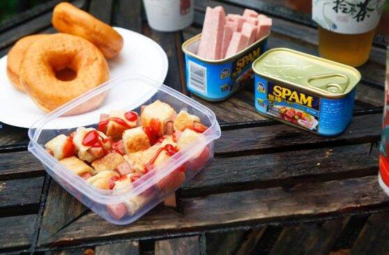 隔壁小孩馋哭了的酥皮午餐肉小方来啦的做法