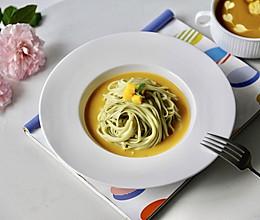 奶油南瓜汤面的做法
