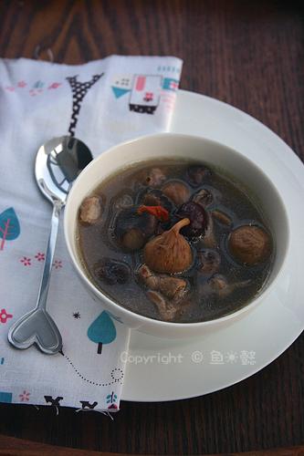 冬菇淮山无花果鹌鹑汤的做法步骤