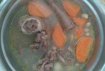 花生胡萝卜猪尾汤的做法