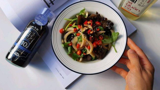 #夏日开胃餐#凉拌洋葱木耳的做法