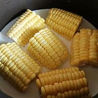 奶香玉米棒的做法图解2