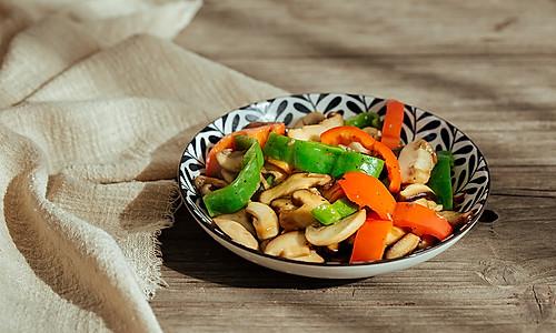 比老鸡汤还要鲜的蚝油炒蘑菇的做法