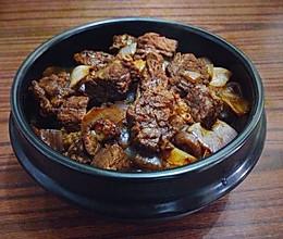 洋葱烩牛肉的做法