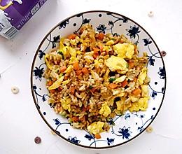 胡萝卜虾皮葱花蛋炒饭的做法