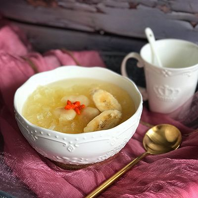 香蕉马蹄丑耳甜汤
