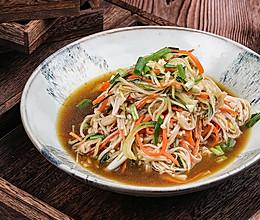 极妙厨房丨凉拌金针菇的做法