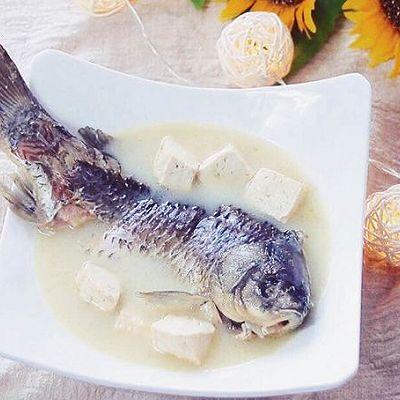 奶白鲫鱼豆腐汤