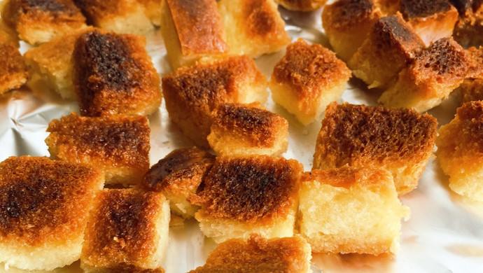 奶油甜面包块儿