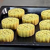 【中秋少不得,传统的蛋黄莲蓉月饼】这种月饼,最能代表中秋节!的做法图解11