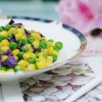 创意菜–紫甘蓝松仁玉米的做法图解8