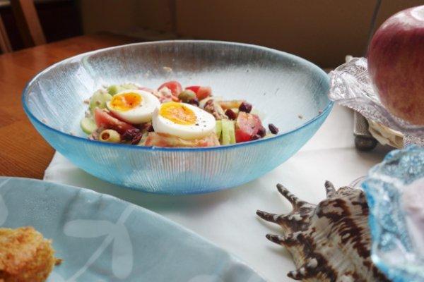 吞拿鱼蔬菜海陆沙拉 简单又满足!的做法