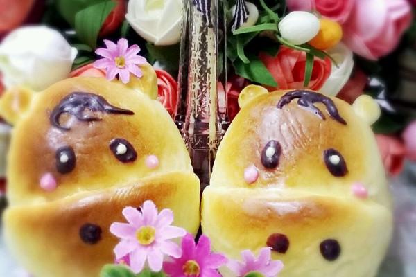 挤在面包上的,所以小动物的五官不是很精致*^o^*