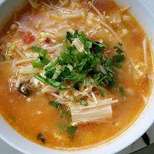 西红柿金针菇汤