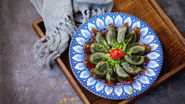 剁椒拌皮蛋#花10分钟,做一道菜!#的做法