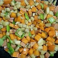 家常小炒素三样~胡萝卜、杏鲍菇、青椒的做法图解6