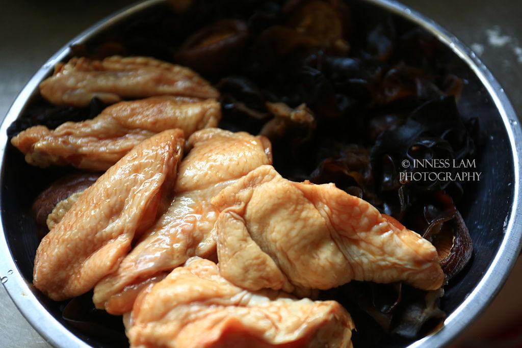 【云耳蒸鸡翅】粤式养生家常菜的做法步骤