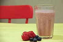 [饮料系列]双莓奶昔的做法