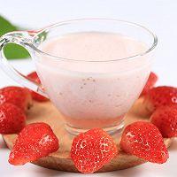 夏日良饮——冰爽草莓奶昔