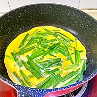 韭菜鸡蛋饼(韭菜炒蛋)二种做法的做法图解5