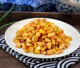 #母亲节,给妈妈做道菜#爆香土豆鸡丁的做法