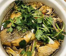 高蛋白低脂肪营养鲜嫩.砂锅黄花鱼的做法
