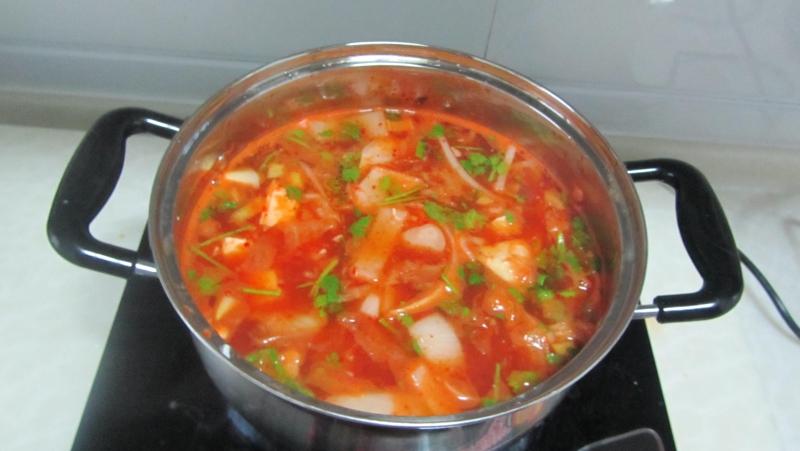 豆腐洋葱土豆辣白菜汤
