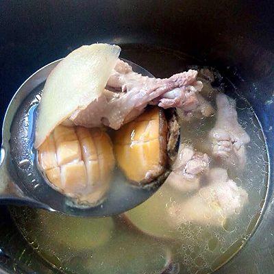 鸡腿鲍鱼汤