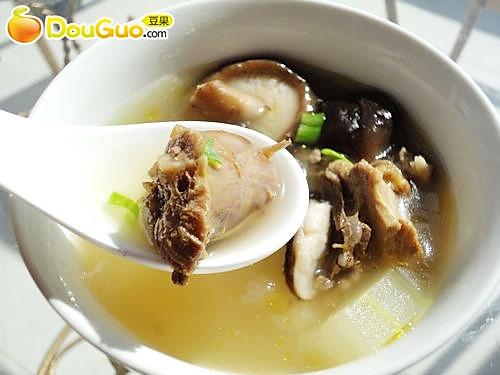 美容养颜汤——香菇鸡汤——春季美食