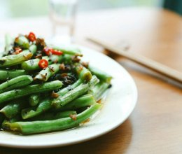 湘西酸菜炒豆角的做法