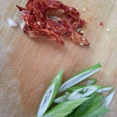 白萝卜炒粉条的做法 步骤2