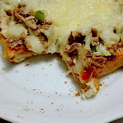 金枪鱼土司披萨