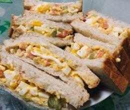 鸡蛋沙拉三明治的做法