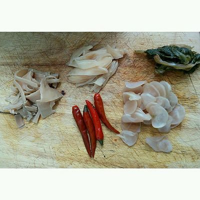 酸菜鱼的做法 步骤2