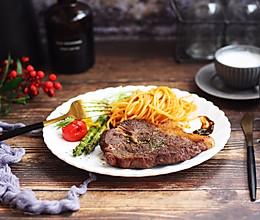 #精品菜谱挑战赛# 红酒黑胡椒牛排的做法