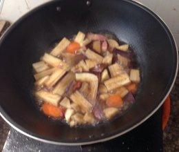 焖腊肉茄子的做法