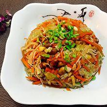 凉拌金针菇白菜胡萝卜