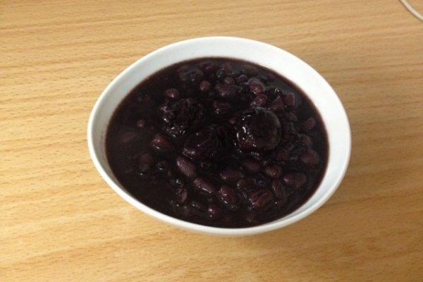 宿舍電鍋美食之紫米紅豆粥的做法