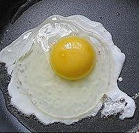180秒的荷包蛋的做法图解2