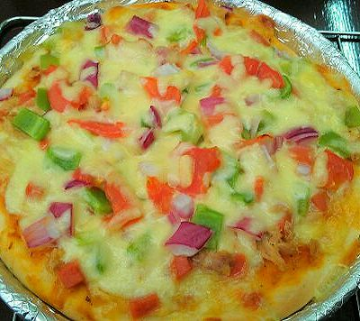 比必胜客好吃的金枪鱼披萨和大虾披萨…