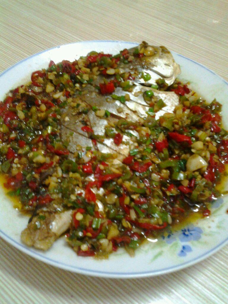 金鲳鱼的做法_菜谱_豆果美食v鲳鱼后能吃腌菜吗图片