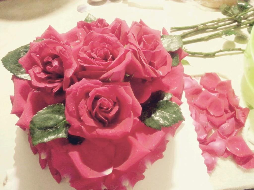 苹果雕刻玫瑰花图解