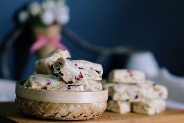 蔓越莓花生牛轧糖的做法