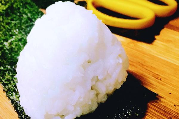饭团的做法_【图解】饭团怎么做如何做好吃