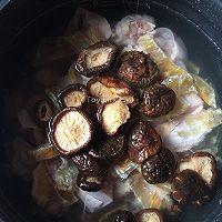 花胶炖鸽滋补汤的做法图解11