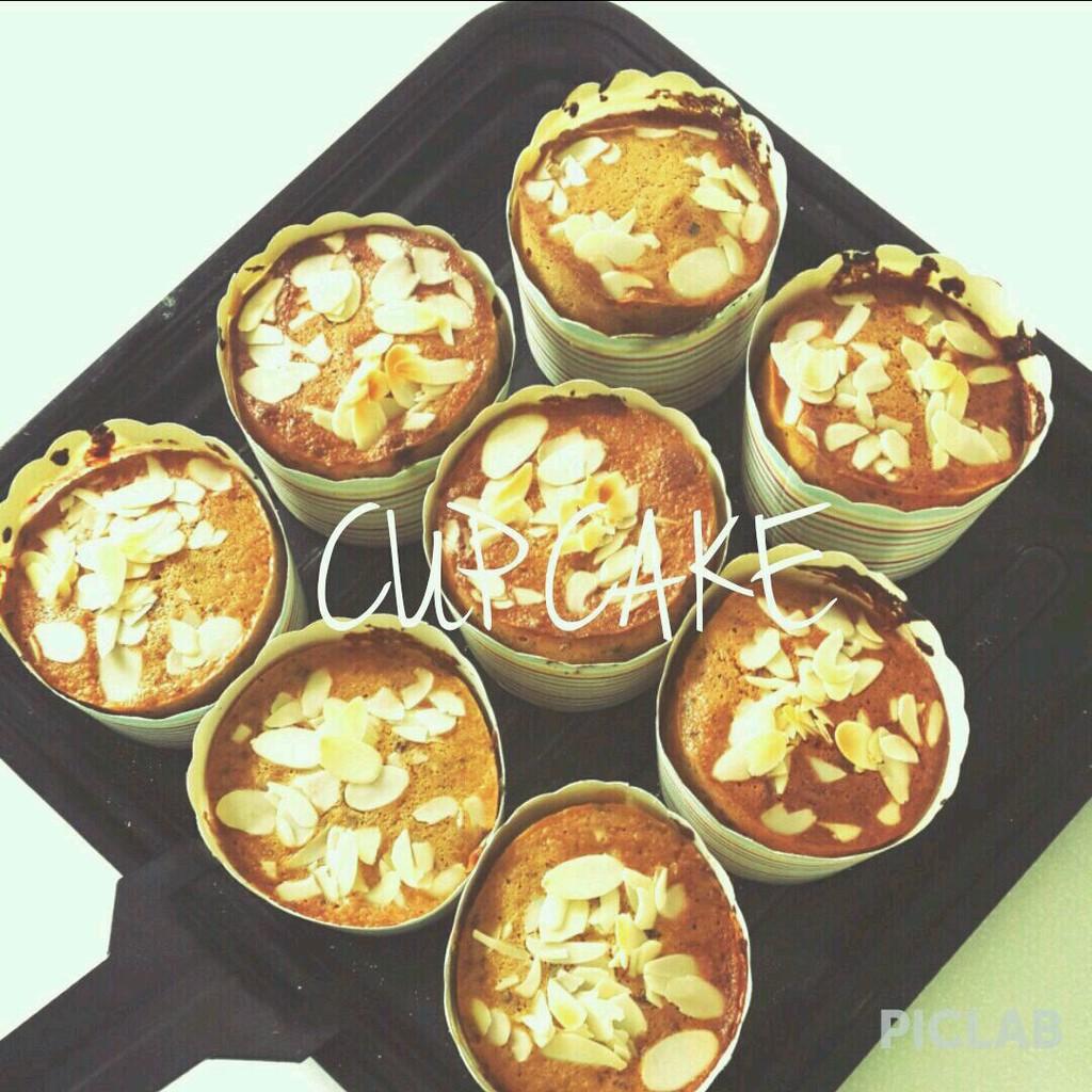 红糖50g 白糖50g 辅料   盐适量 杏仁片适量 枣泥纸杯蛋糕的做法步骤