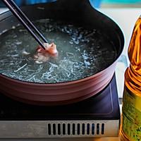 酸汤肥牛#金龙鱼营养强化维生素A纯香菜籽油#的做法图解4
